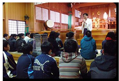 本殿での神職さんによる講話